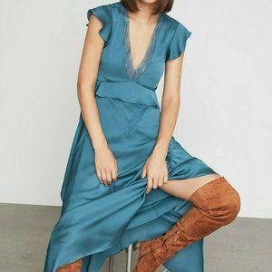 NWT BCBGMAXAZRIA V Neck Blue Ruffle Sleeve Dress